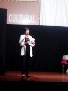 La poeta Juana Corsina en el cierre de la Mostra de Teatro